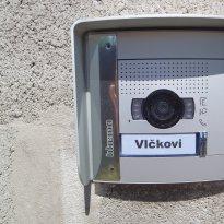Domácí telefony, videotelefony